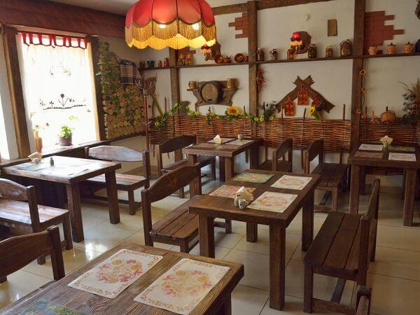 Мебель для кафе в деревенском стиле на заказ