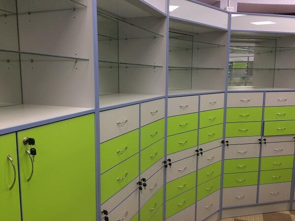Пристенный шкаф для аптеки с ящиками на заказ
